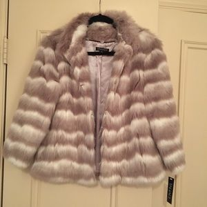 Tahari Faux Fur Jacket NWT Gray and White